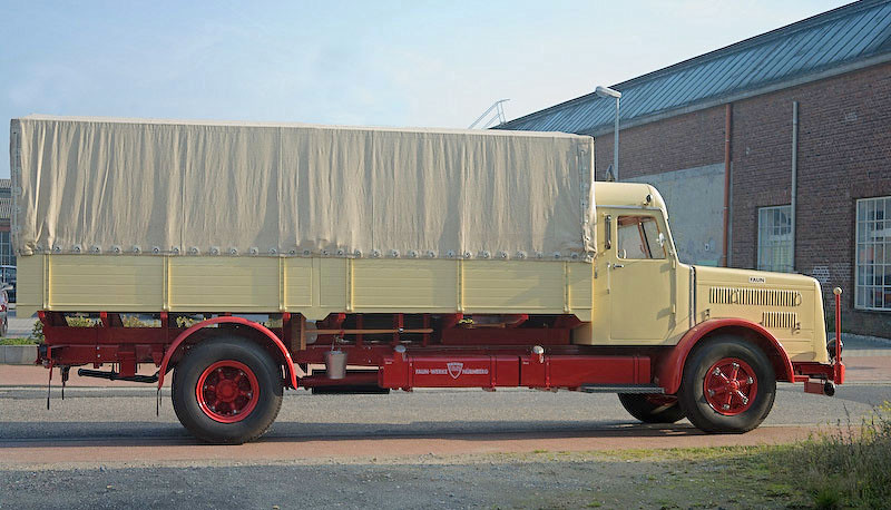 Faun lorry (side view)