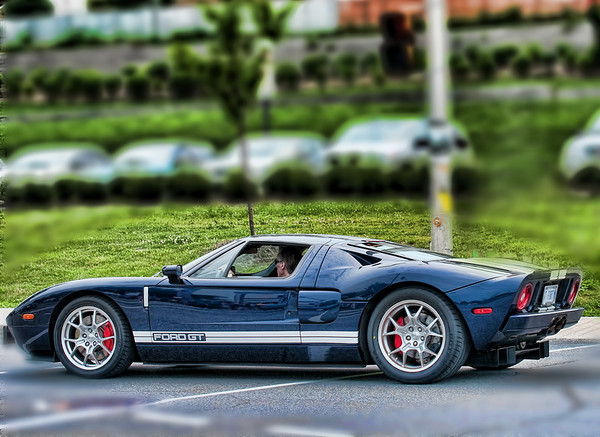Not Italian but stll a beauty, Ford GT 500
