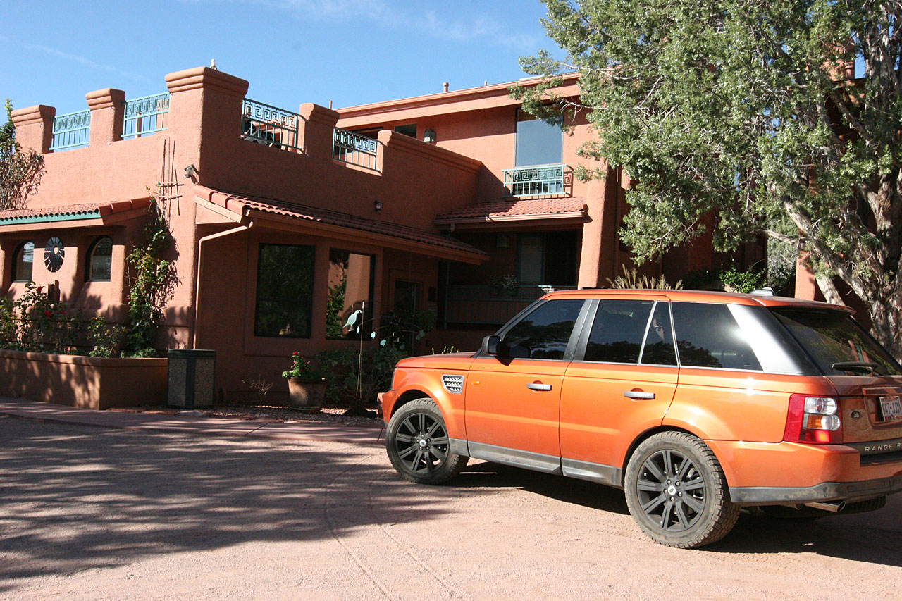Casa Sedona is a lovely little bed and breakfast inn in Sedona, AZ.  Eric's supercharged Range Rover Sport looks quite a home.