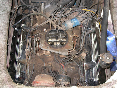 """Motor after a little bit of work with some simple green and a few rags.  Turns out the """"leaking valve cover"""" is just due to some old hardened grommets, nice $2 and elbow grease fix."""