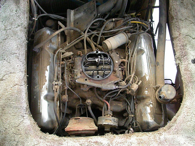 Engine overview with airfilter removed.