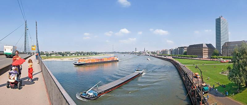 Panorama Duesseldorf, Rhine bridge
