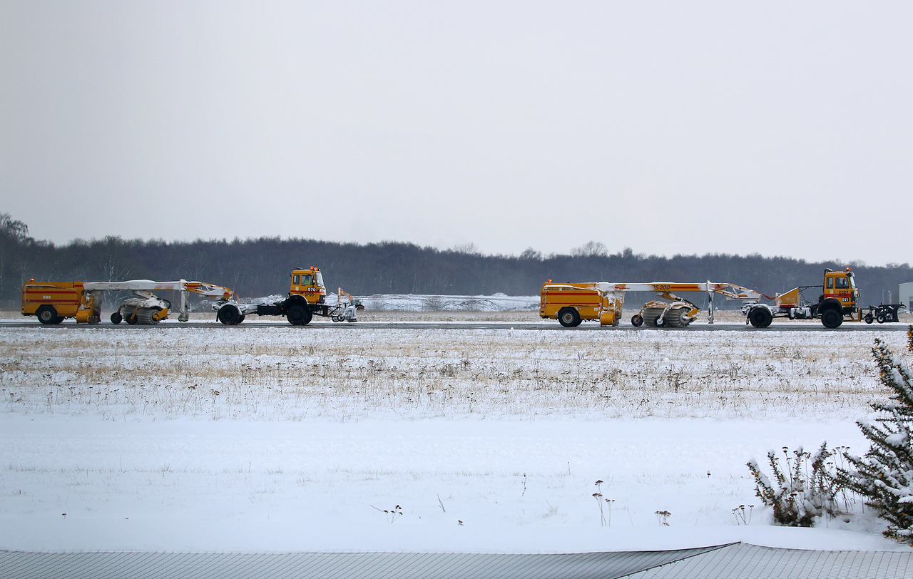 Runway sweepers frantically trying to get EGCN open................28th February 2018<br /> By Correne Calow.
