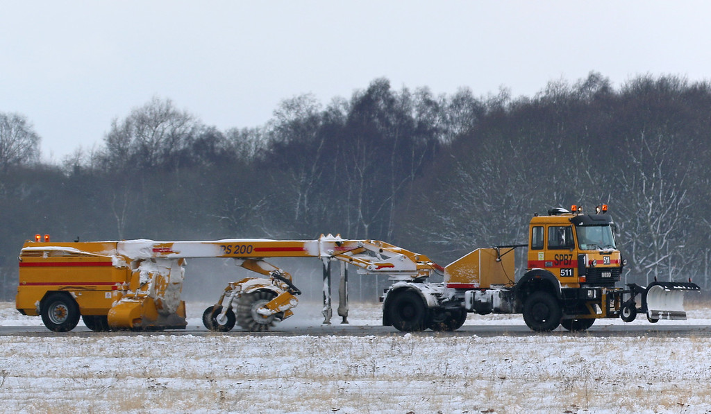 Øveraasen RS200 runway sweeper..............28th February 2018<br /> By Correne Calow.