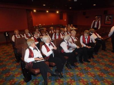 Very nice theater seating ... Velvet Tones awaiting start