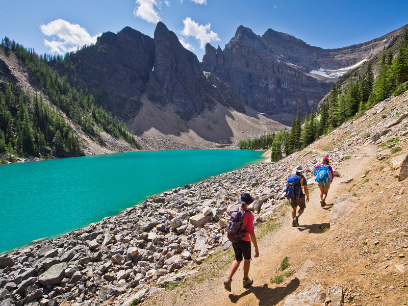 Hikers on Lake Agnes trail