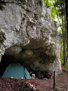 Kleinluetzel, Höhle,