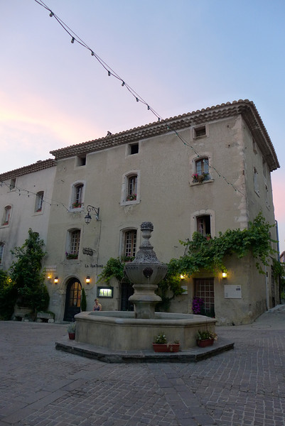 Maison de Charme LA FONTAINE, Venasque