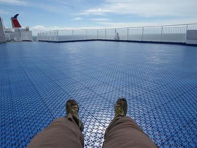 ...alleine auf dem Deck