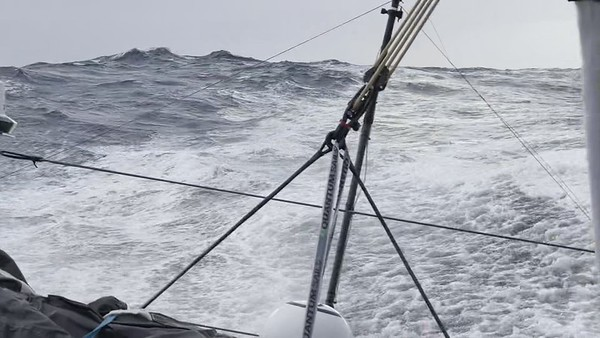Day 25 - 18:20 - One minute of Southern Ocean Ambiance