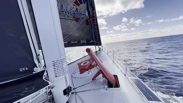 Day 3 – 16:53pm – Update from Boris frustration with no wind  – Vendée Globe 2020