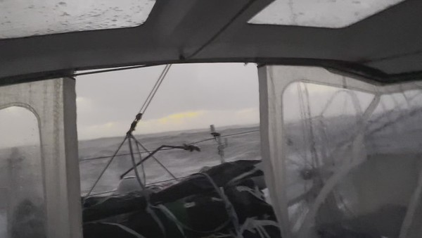 "Day 30 - 18:15 - ""Haling super strong and with 39 knots gusts. Stress!!"""