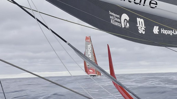 Day 37 - A meeting of 5 IMOCAs in the middle of the ocean!