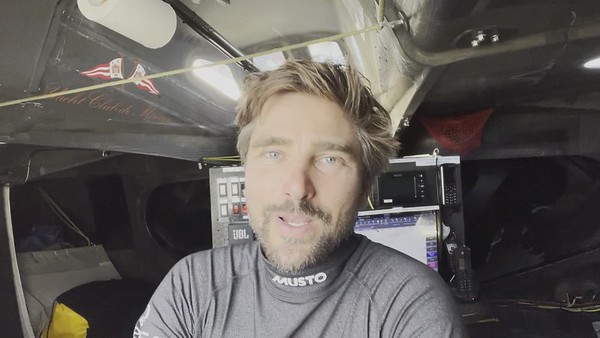 Day 3 – 11:34am – Update from Boris from the long rough night  – Vendée Globe 2020