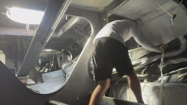 Day 16 - Boris shows us the procedure of a sail change - PART 2