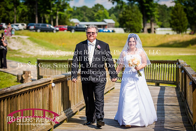 Summer-wedding-photography-of-Sarah-and-David-at-Bennett-Bunn-Plantation-with-bride-arriving-on-a-horse-36