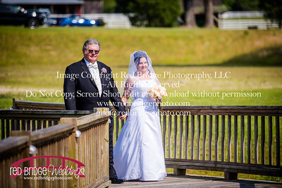 Summer-wedding-photography-of-Sarah-and-David-at-Bennett-Bunn-Plantation-with-bride-arriving-on-a-horse-31