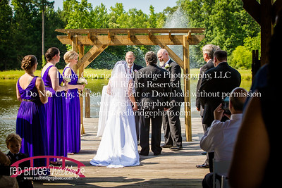 Summer-wedding-photography-of-Sarah-and-David-at-Bennett-Bunn-Plantation-with-bride-arriving-on-a-horse-43