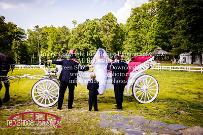 Summer-wedding-photography-of-Sarah-and-David-at-Bennett-Bunn-Plantation-with-bride-arriving-on-a-horse-17