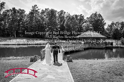 Summer-wedding-photography-of-Sarah-and-David-at-Bennett-Bunn-Plantation-with-bride-arriving-on-a-horse-28