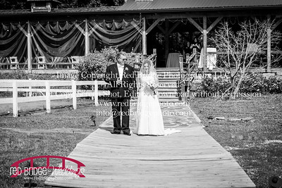 Summer-wedding-photography-of-Sarah-and-David-at-Bennett-Bunn-Plantation-with-bride-arriving-on-a-horse-22