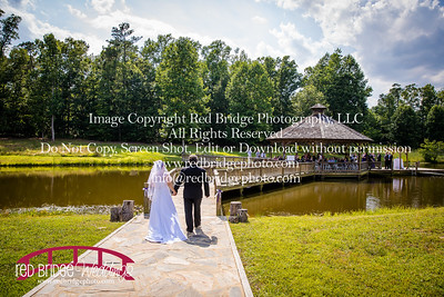 Summer-wedding-photography-of-Sarah-and-David-at-Bennett-Bunn-Plantation-with-bride-arriving-on-a-horse-27
