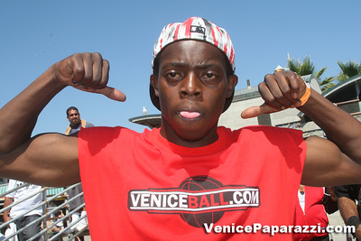08 09 08  VBL   Venice Beach Basketball League   www veniceball com (3)