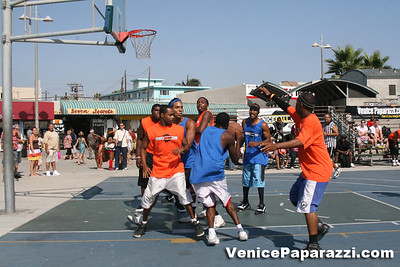 Venice Beach Basketball League   www veniceball com (32)
