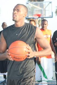 09 14 08 Venice Beach Basketball League Slamdunk and Finals   www veniceball com (6)