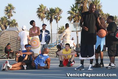 09 14 08 Venice Beach Basketball League Slamdunk and Finals   www veniceball com (18)