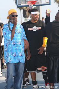 09 14 08 Venice Beach Basketball League Slamdunk and Finals   www veniceball com (5)