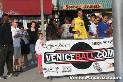 09 14 08 Venice Beach Basketball League Slamdunk and Finals   www veniceball com (8)