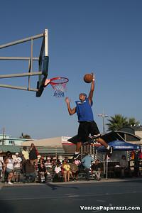 09 14 08 Venice Beach Basketball League Slamdunk and Finals   www veniceball com (1)