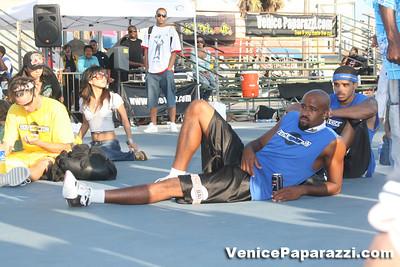 09 14 08 Venice Beach Basketball League Slamdunk and Finals   www veniceball com (13)