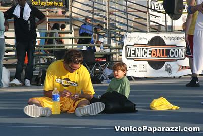 09 14 08 Venice Beach Basketball League Slamdunk and Finals   www veniceball com (4)