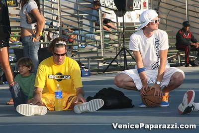 09 14 08 Venice Beach Basketball League Slamdunk and Finals   www veniceball com (12)