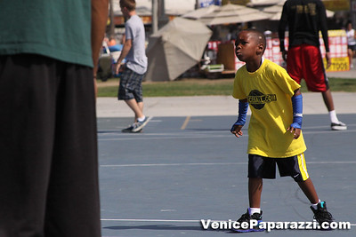 08 23 09 Venice Beach Basketball League   www veniceball com (19)