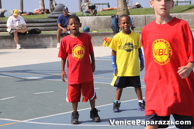 08 23 09 Venice Beach Basketball League   www veniceball com (2)