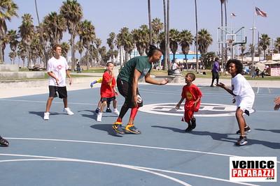08 23 09 Venice Beach Basketball League   www veniceball com (12)