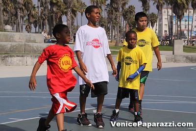 08 23 09 Venice Beach Basketball League   www veniceball com (18)