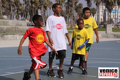 08 23 09 Venice Beach Basketball League   www veniceball com (18)