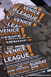 08 23 09 Venice Beach Basketball League   www veniceball com (16)