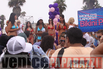 08 22 09  World's Largest Bikini Parade   Hosted by the Bad Girls Club and Oxygen  (2)