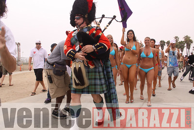 08 22 09  World's Largest Bikini Parade   Hosted by the Bad Girls Club and Oxygen  (33)