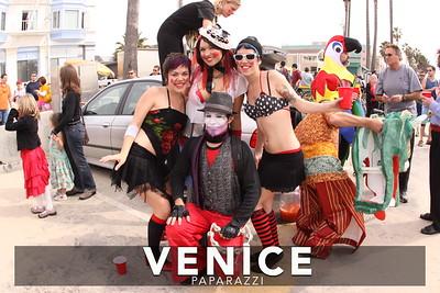 2009 Venice Beach Mardi Gras Parade on the Venice Beach Boardwalk.  Hosted by The Krewe of Grandview.  Photos by Venice Paparazzi www.venicepaparazzi.com