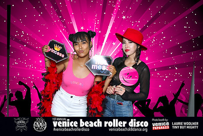 #venicebeachrollerdisco  Photo by VenicePaparazzi.com