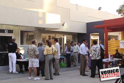09 23 09 Venice Chamber of Commerce Mixer   Helen K  Garber  Dr  Stuart Garber of Natural Solutions   Whole Foods Market   Venice Beach Wines   venicechamber net  www drgarbers com   venicebeachwines com   wholefoods com (5)