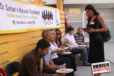 09 23 09 Venice Chamber of Commerce Mixer   Helen K  Garber  Dr  Stuart Garber of Natural Solutions   Whole Foods Market   Venice Beach Wines   venicechamber net  www drgarbers com   venicebeachwines com   wholefoods com (3)