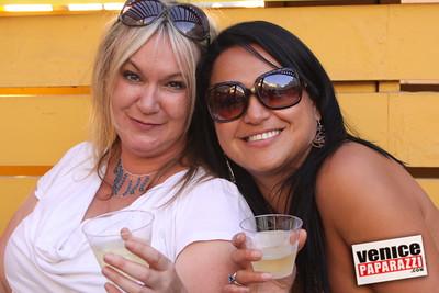 09 23 09 Venice Chamber of Commerce Mixer   Helen K  Garber  Dr  Stuart Garber of Natural Solutions   Whole Foods Market   Venice Beach Wines   venicechamber net  www drgarbers com   venicebeachwines com   wholefoods com (11)