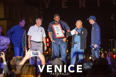 09.16.16 LA Rams - Venice Sign Lighting. Photo by VenicePaparazzi.com